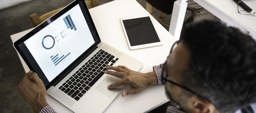 monitorar situação financeira de clientes